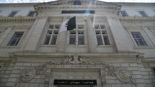 Khaled Tebboune, le fils du président algérien, est poursuivi dans une affaire de trafic d'influence dans l'immobilier.