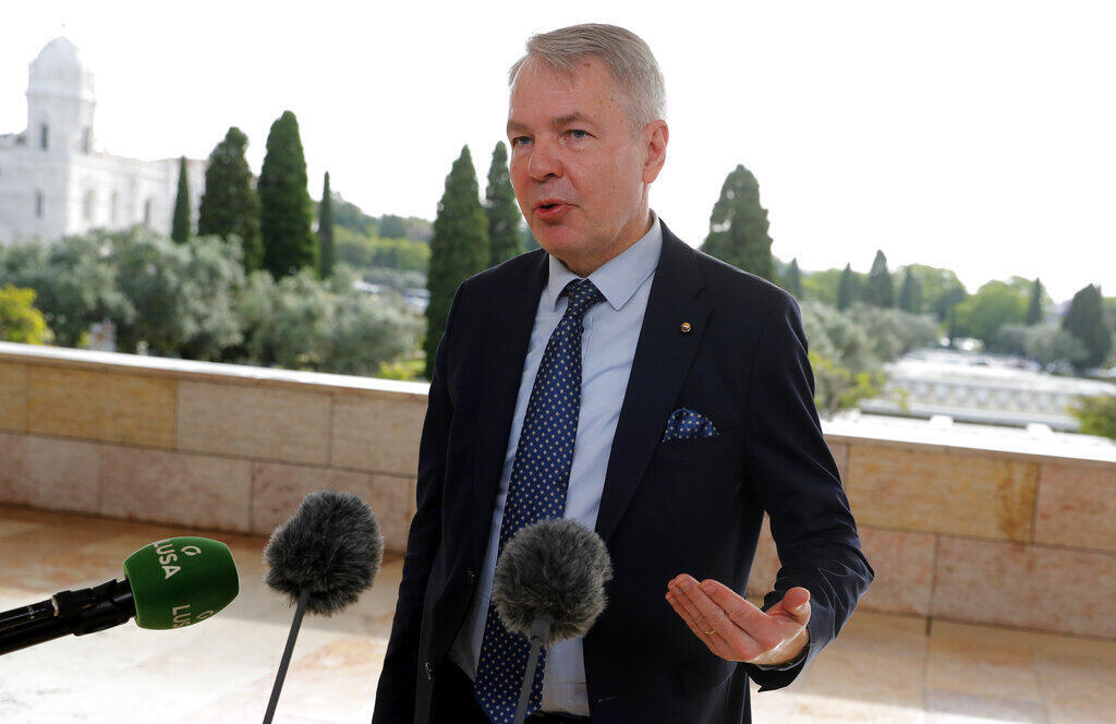 Pekka Haavisto,  l'envoyé spécial de l'UE pour le Tigré, s'exprime devant la presse à Lisbonne, le 27 mai 2021.