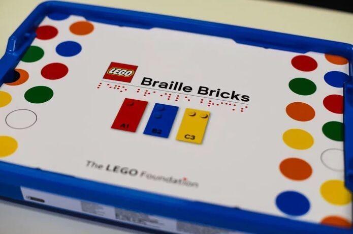 250 ladrillitos para aprender Braille jugando.