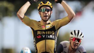 Wout Van Aert remporte la septième étape du Tour de France