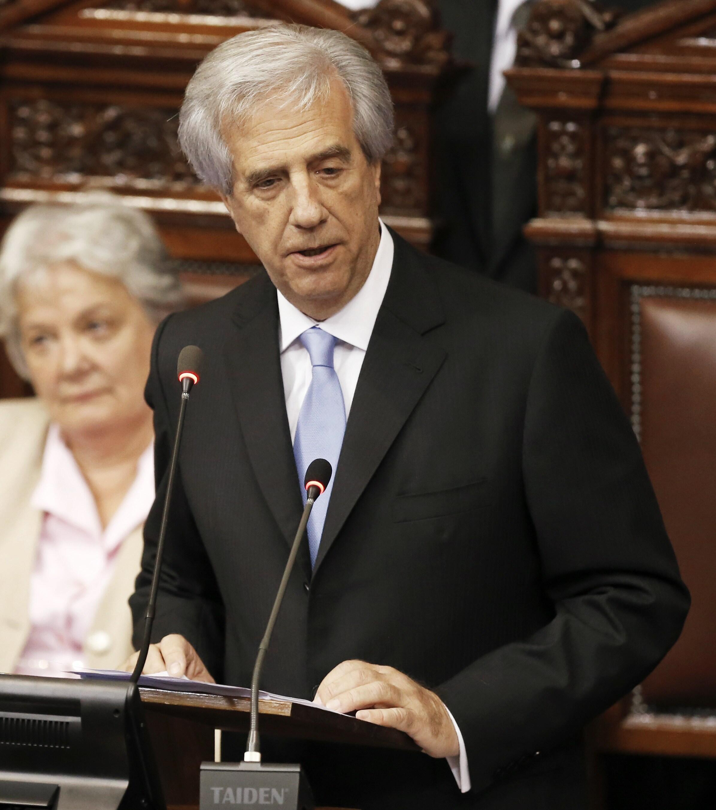 La primera huelga del mandato de Vázquez paralizó el transporte, la educación y la salud.