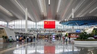 3240px-Guangzhou_Baiyun_International_Airport_T2