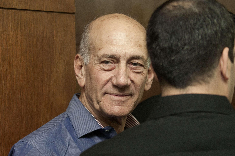 Эхуд Ольмерт, бывший премьер-министр Израиля, в зале суда Тель-Авива 31/03/2014