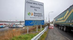 Irlande - Rosslare - Port - Trafic - 000_8ZM78P