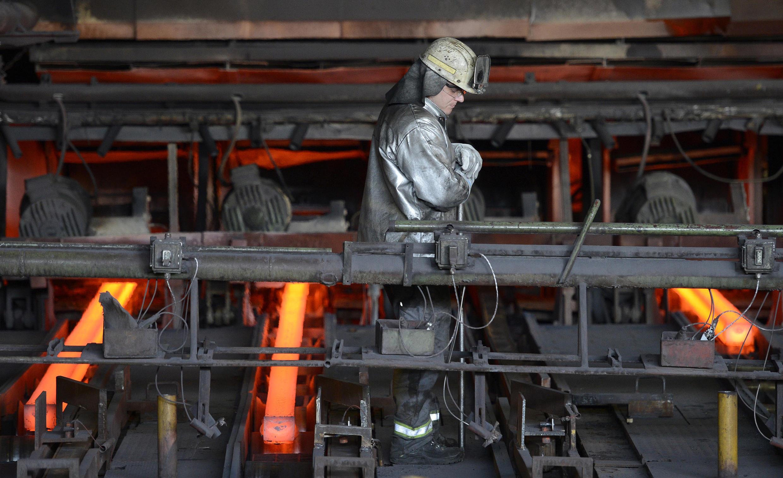 Un employé de Arcelor Mittal ici, en Allemagne, le 5 février 2016. (Photo d'illustration).