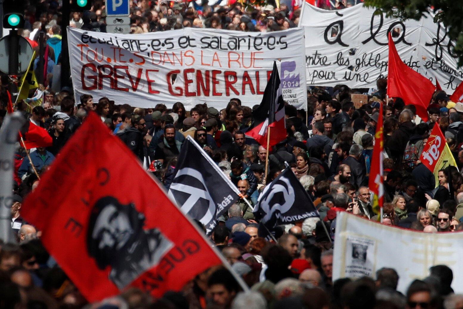 En París, la marcha sindical convocó entre 20.000 personas, según la policía, y 55.000, según el sindicato CGT.
