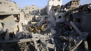 Os bombardeios de Israel contra a Faixa de Gaza se intensificaram na noite de quarta para quinta-feira,(10) a maior parte dos mortos é de Khan Younis (foto), no sul da Faixa de Gaza.