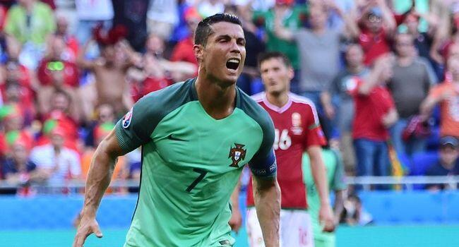 Mshambuliaji wa timu ya taifa ya soka ya Ureno, Cristiano Ronaldo, aliyefunga mabao mawili dhidi ya Hungary katika michuano ya Kombe la Ulaya, Lyon.