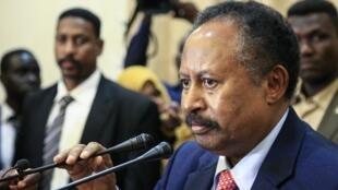 Waziri Mkuu wa mpito wa Sudan, Abdallah Hamdok wakati wa sherehe ya kuapishwa kwake Khartoum Agosti 21, 2019.
