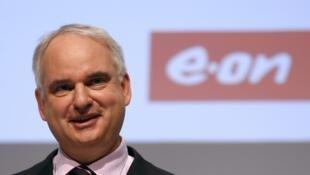 Johannes Teyssen, le PDG d'E.ON, a annoncé que son groupe allait se séparer de ses activités traditionnelles de production d'électricité.