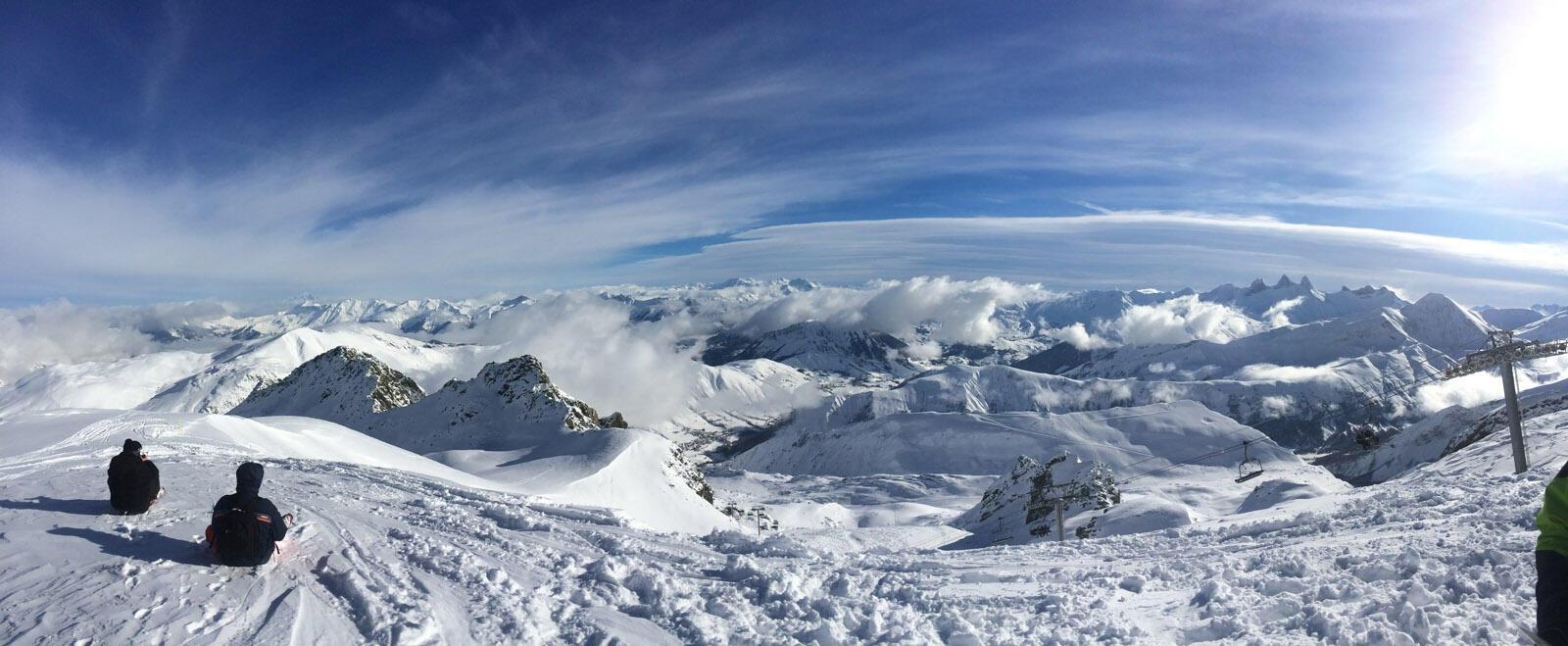 阿爾卑斯山的薩瓦省滑雪場