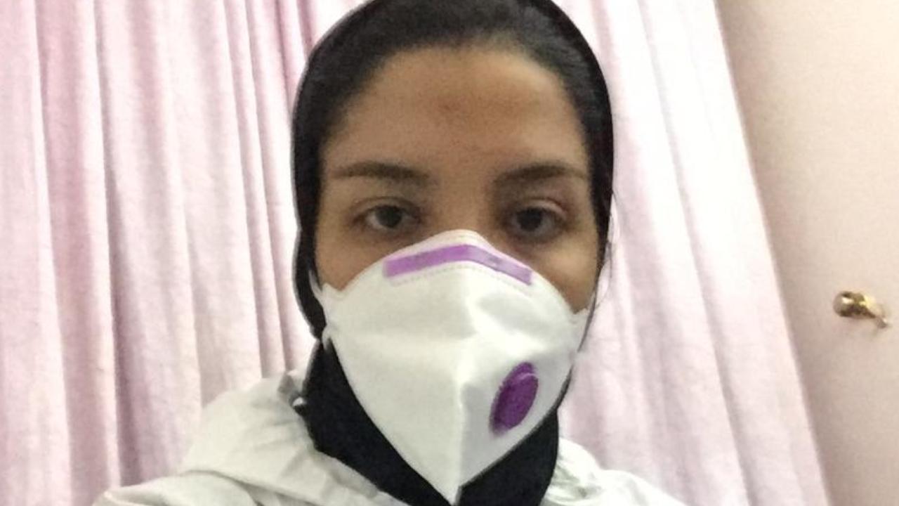 Raheleh, étudiante en soins infirmiers, travaille également à l'hôpital de Téhéran.