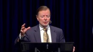 گری بائر کمیسر کمیسیون تحقیق دولت آمریکا دربارۀ آزادی ادیان در جهان
