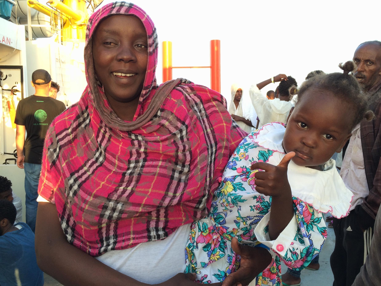 Mariam Mohammed et sa fille Fatma, venues du Soudan.