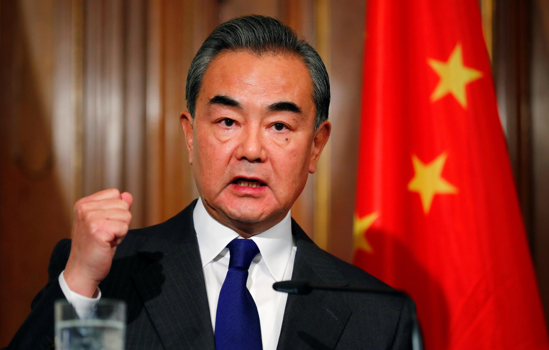 Ngoại trưởng Trung Quốc Vương Nghị trong buổi họp báo với đồng nhiệm Đức Heiko Maas, tại Berlin, Đức, ngày 13/02/2020.