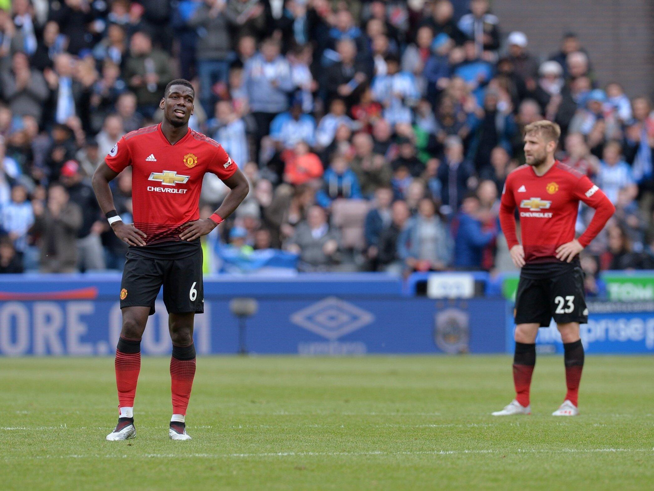 Paul Pogba cikin jimami, bayan wasan da suka tashi 1-1 da Huddersfield.
