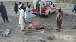 سرویسهای اطلاعاتی افغانستان و دولت آمریکا گفتهاند که  فرد کشته شده در حملۀ پهپادهای آمریکایی، کسی جز ملا اختر محمد منصور، رهبر طالبان افغانستان نبوده است .