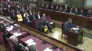 L'ancien vice-président catalan Oriol Junqueras témoigne devant des juges de la Cour suprême de Madrid, en Espagne, au dernier jour du procès, ce mercredi 12 juin 2019 (capture d'écran).