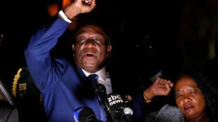 O ex-vice-presidente, Emmerson Mnangagwa, fez um discurso em Harare assim que voltou do exílio, em 22 de novembro de 2017.