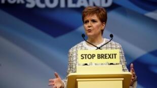 La Première ministre écossaise, Nicola Sturgeon, et leader du parti SNP, le Parti national écossais en campagne à Glasgow, le 27 novembre 2019