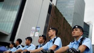 6.17大遊行,在林鄭月娥辦公室外的警察