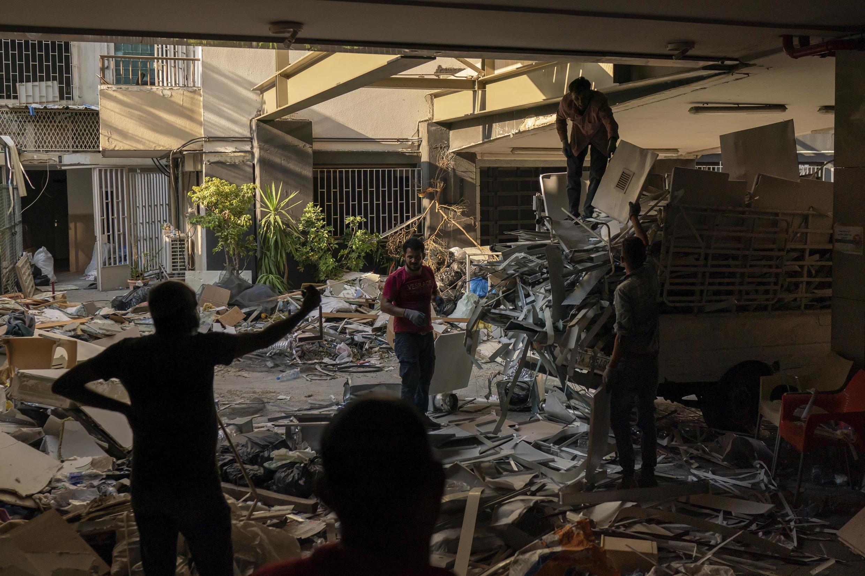 Selon l'ONU, 73000 logements ont été endommagés par l'explosion du port, ainsi que 163 écoles, 3 hôpitaux et 20 cliniques.