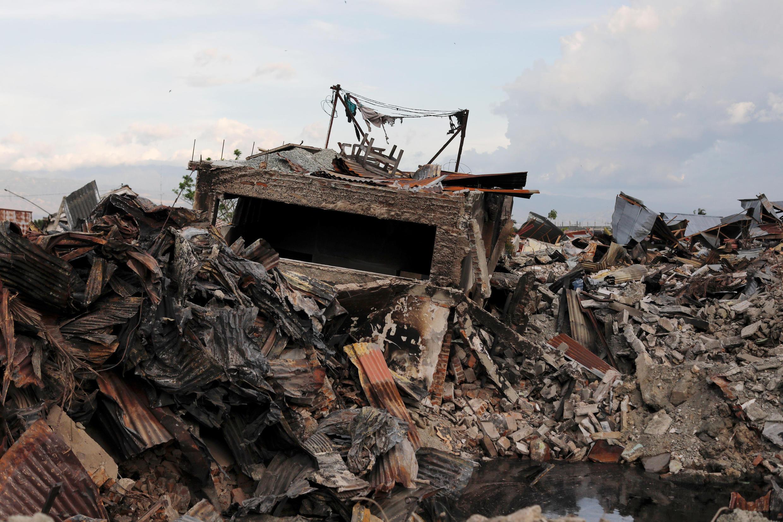 Le quartier de Balaroa, à Palu, dans les Célèbes, s'est enfoncé dans la terre lorsque celle-ci a tremblé vendredi 28 septembre 2018.