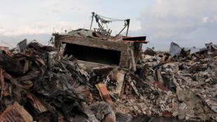 地震后的巴拉罗亚(Balaroa)。