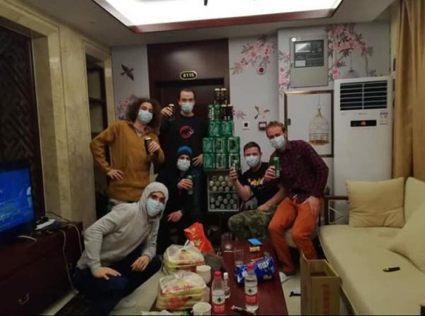 Vincent Izarn y varios franceses bloqueados en Wuhan.