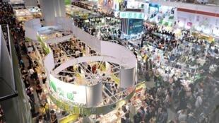 图为香港书展展厅景况