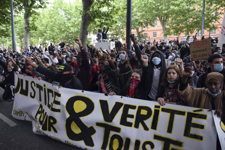 Manifestation contre la violencia policial en Tolosa el 10 de junio.