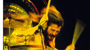 John Bonham de Led Zeppelin, au Forum Inglewood à Los Angeles, Californie, 1973.