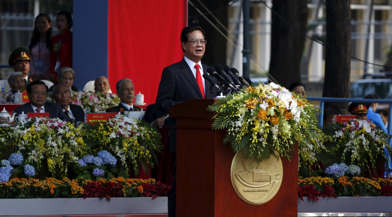 Primeiro-ministro vietnamita, Nguyen Tan Dung, na antiga Saigão (hoje Cidade de Ho Chi Min) no 40° aniversário da queda dessa urbe.