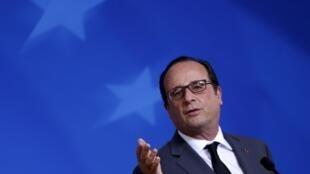 O presidente francês, François Hollande, visita nesta terça-feira (24) os Estados Unidos, em busca de mais apoio na luta contra o grupo Estado Islâmico.