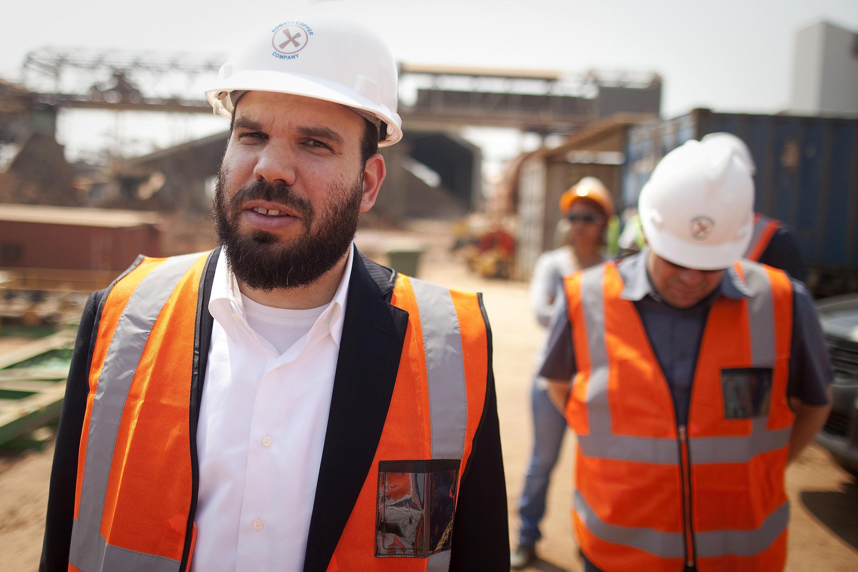 L'homme d'affaires israélien Dan Gertler effectue une visite au complexe minier de Katanga Mining Ltd. en 2012.