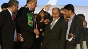 O líder do CNT na sua chegada à Trípoli.