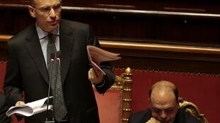 O primeiro-ministro da Itália, Enrico Letta, busca apoio parlamentar para continuar na chefia do governo.