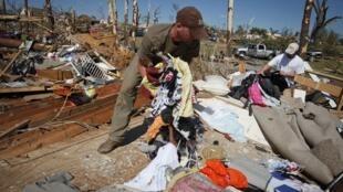 A cidade de Tuscaloosa, Alabama, fortemente atingida por tufões.