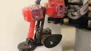 Ce robot peut évoluer dans les conditions extrêmes du vide spatial. «Abigaille» sera équipé de détecteurs qui lui permettront d'analyser son environnement et de s'y adapter.