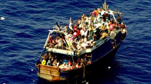 Migrants africains cherchant à rejoindre les côtes italiennes en août 2014.