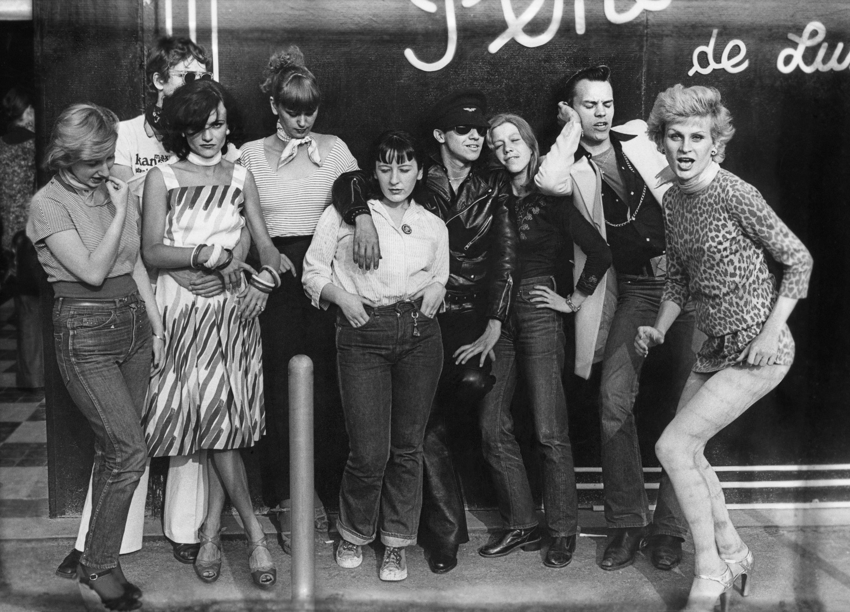 Филипп Морийон. Члены Групп «Gazolines» и «To the bop» в Чреве Парижа. 1975.