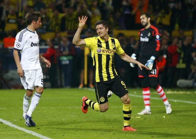 Robert Lewandowski tác giả 4 bàn thắng hạ đo ván Real Madrid trọgn trận bán kết lượt đi cúp C1  trên sân Borussia Dormund.