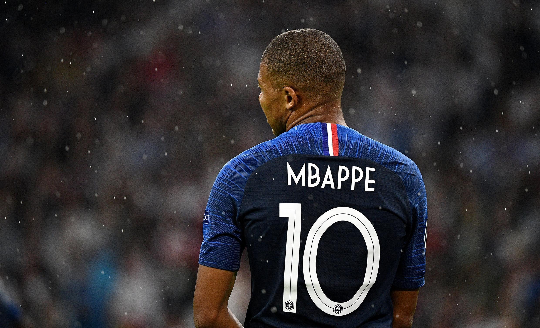 Kylian Mbappé et l'équipe de France affronte les Pays-Bas ce dimanche.