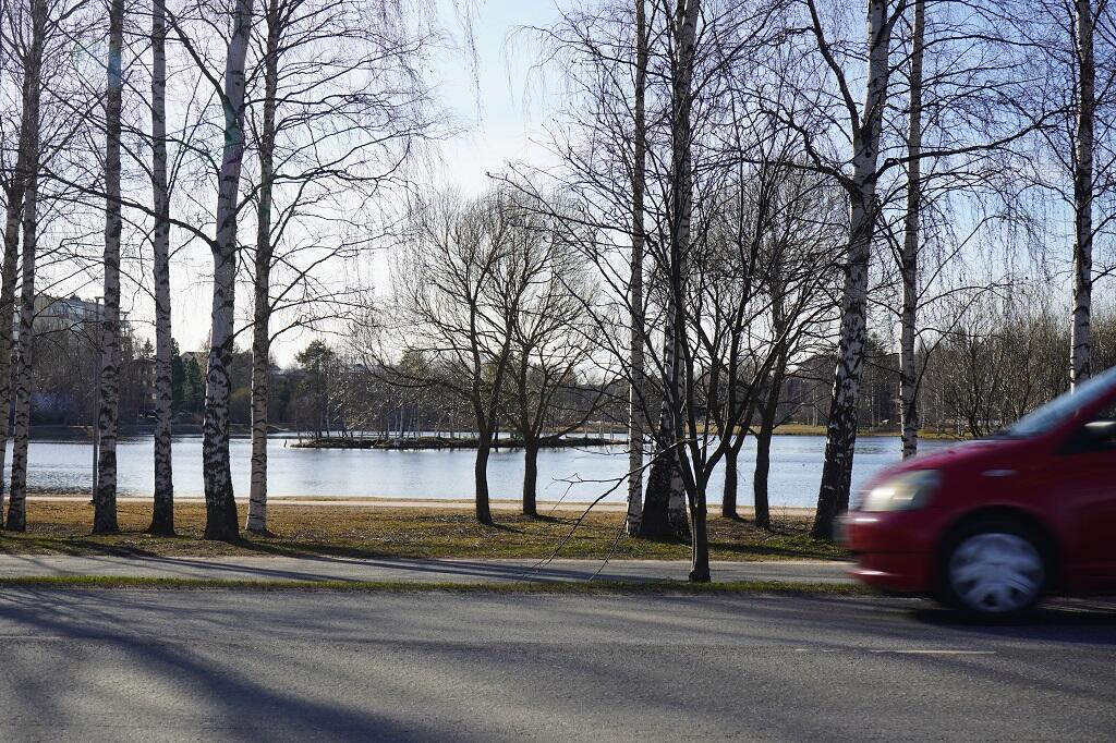 Le fleuve Kemijoki à Rovaniemi, en Laponie finlandaise, alimente 16 centrales hydroélectriques pour une production moyenne de 4476 GW par an.