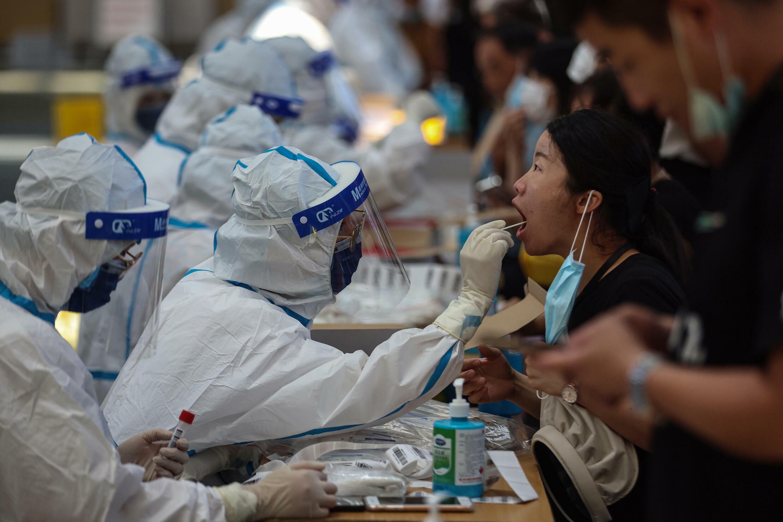 中國衛生部門正在對南京920萬居民進行檢測。