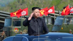Lãnh đạo Bắc Triều Tiên Kim Jong-un, trong lễ kỷ niệm 85 năm thành lập Quân Đội Nhân Dân Triều Tiên, ảnh hãng tin nhà nước KCNA đăng tải ngày 27/04/2017.