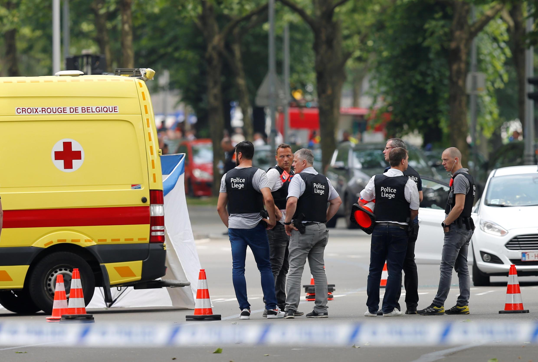 """حضور پلیس """"لیِژ"""" در محل سوءقصد سهشنبه ٨ خرداد/ ٢۹ مه ٢٠۱٨ که در این شهر بلژیک رخ داد."""