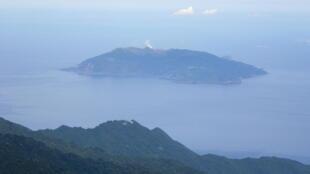 Đảo Kuchinoerabujima của Nhật Bản, nơi một phi cơ trinh sát Nhật phát hiện một chiếc tàu thuộc lớp Đông Điều (Dongdiao) của Trung Quốc thâm nhập để thu thập thông tin.