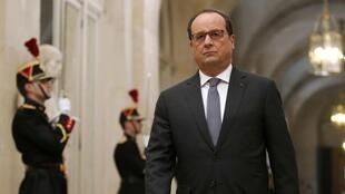 French President François Hollande spoke before both houses of parliament in a rare Congress meeting at Versailles, 16 November 2015.