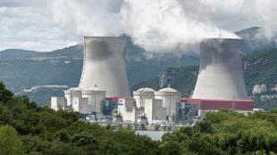 12 октября и 28 ноября активисты Greenpeace проникли на АЭС в Катеноме и Круасе